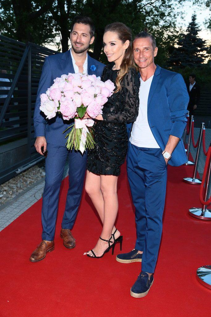 Kasia Sowinska z Rafalem Maslakiem i Witoldem Szmanda